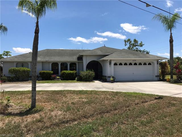 2135 Country Club Blvd, Cape Coral, FL 33990