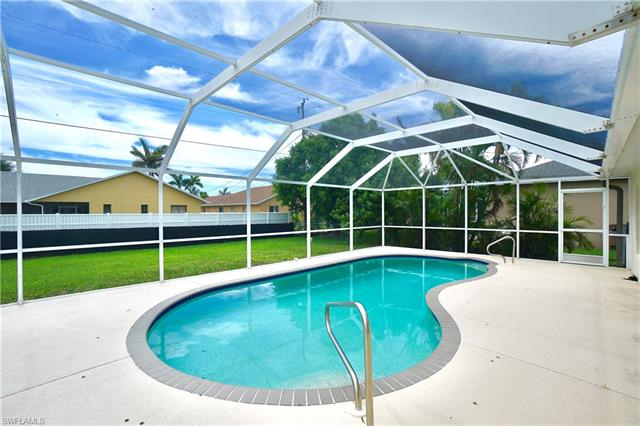 4002 Sw 26th Ct, Cape Coral, FL 33914
