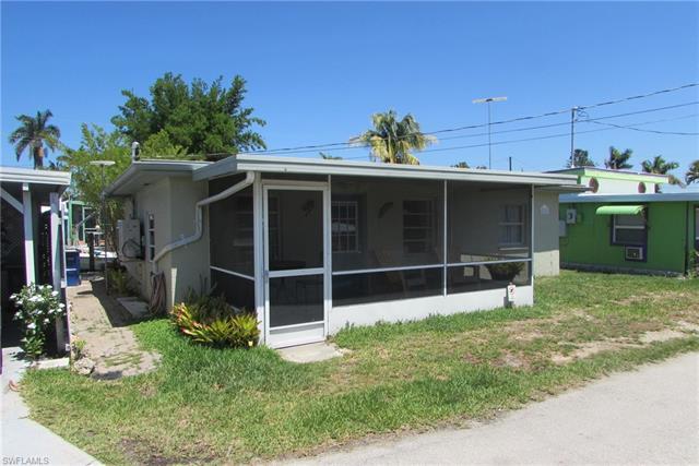2626 Pine St, Matlacha, FL 33993