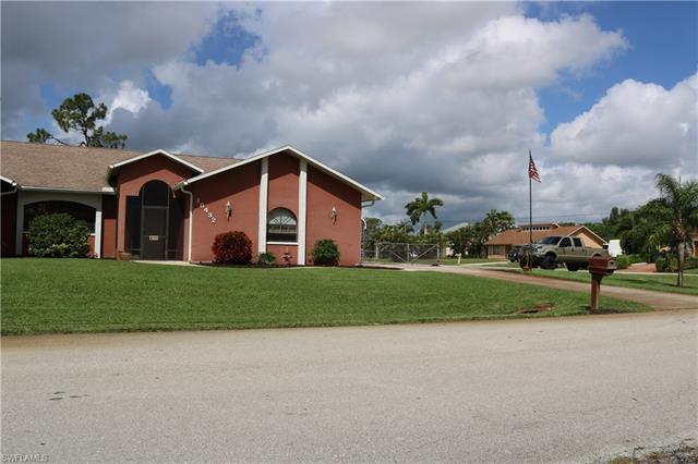 18432 Olive Rd, Fort Myers, FL 33967