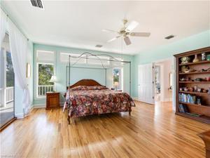 6412 Pine Ave, Sanibel, FL 33957