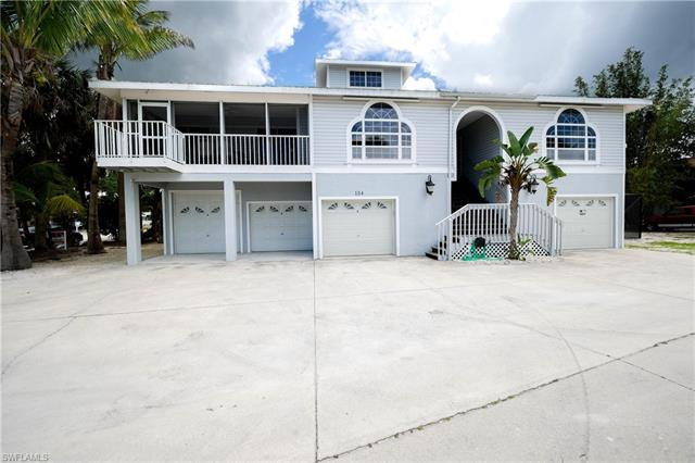 154 Connecticut St, Fort Myers Beach, FL 33931