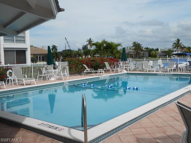 2100 Gulf Shore Blvd N 204, Naples, FL 34102