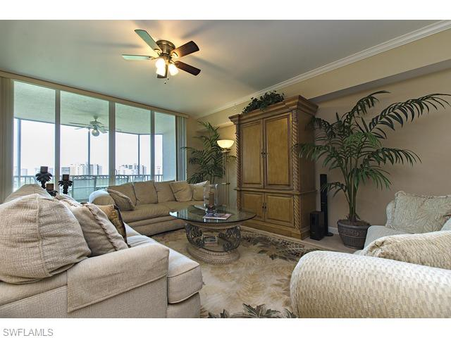300 Dunes Blvd, #604, Naples, FL 34110