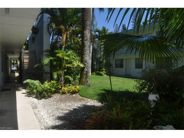 1295 Gulf Shore Blvd S, #223, Naples, FL 34102