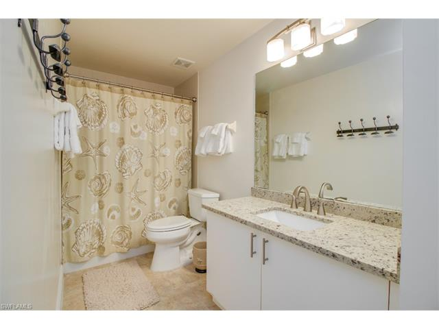 519 Roma Ct 3-302, Naples, FL 34110