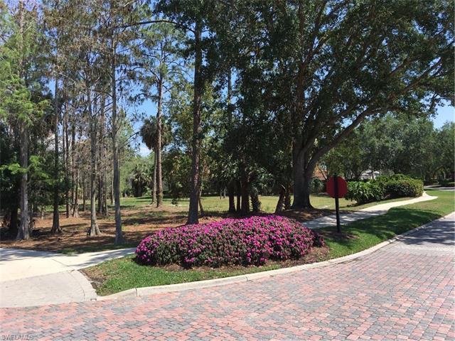 4490 Wayside Dr, Naples, FL 34119