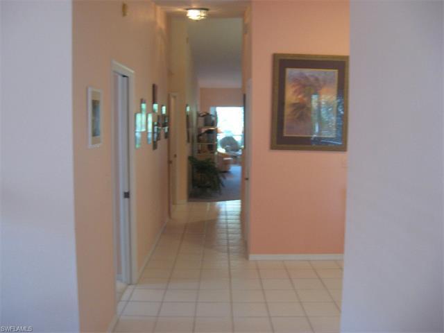 7095 Barrington Cir 201, Naples, FL 34108