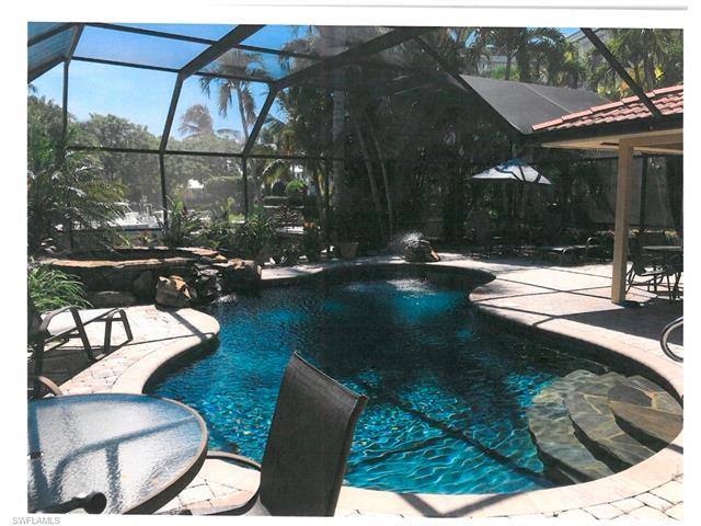 1300 Dolphin Rd, Naples, FL 34102
