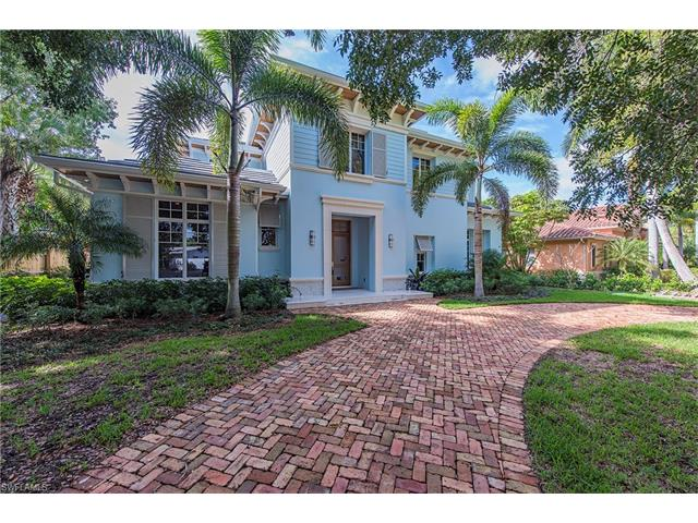 610 6th Ave N, Naples, FL 34102