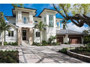 465 18th Ave S, Naples, FL 34102