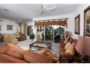 9142 Cherry Oaks Ln 201, Naples, FL 34114