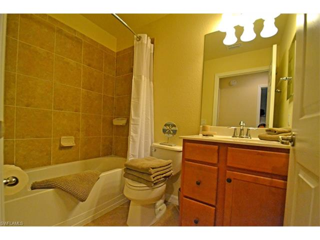 9517 Avellino Way 2214, Naples, FL 34113