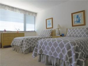 5601 Turtle Bay Dr 803, Naples, FL 34108