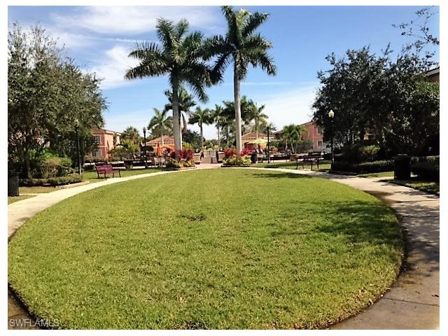 20201 Estero Gardens Cir 208, Estero, FL 33928
