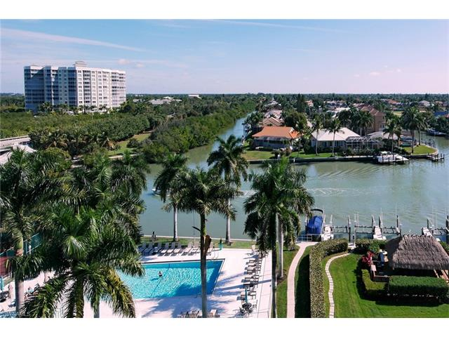 11118 Gulf Shore Dr A-202, Naples, FL 34108