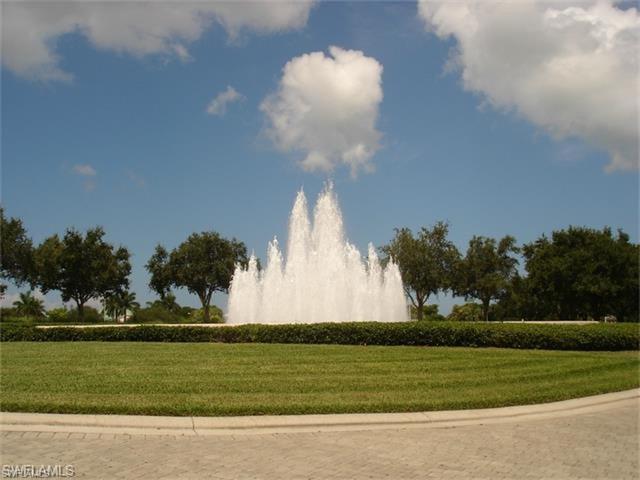 1036 Egrets Walk Cir 202, Naples, FL 34108