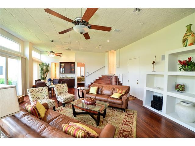 101 St Lucia Ln, Bonita Springs, FL 34134