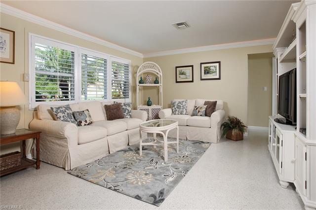 1588 Mandarin Rd, Naples, FL 34102
