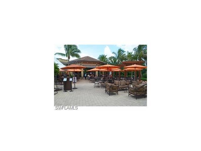 6846 Ascot Dr 202, Naples, FL 34113