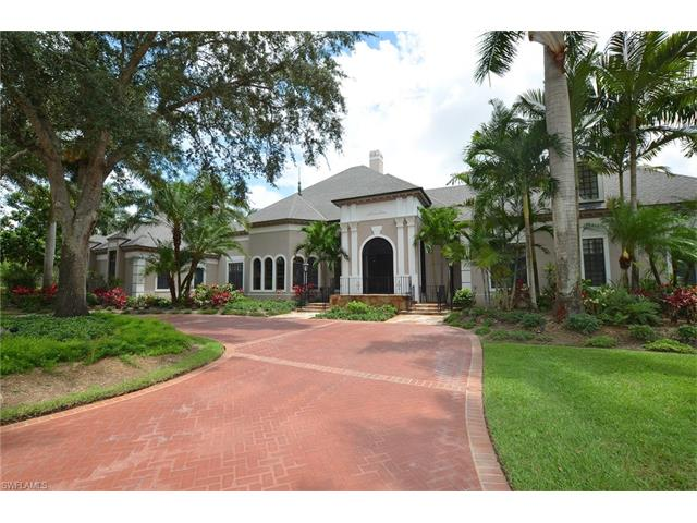 4555 Silver Fox Dr, Naples, FL 34119