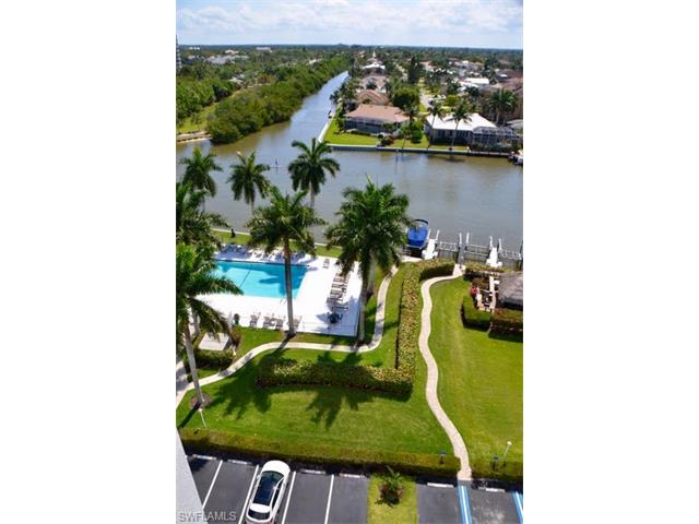 11116 Gulf Shore Dr B-902, Naples, FL 34108