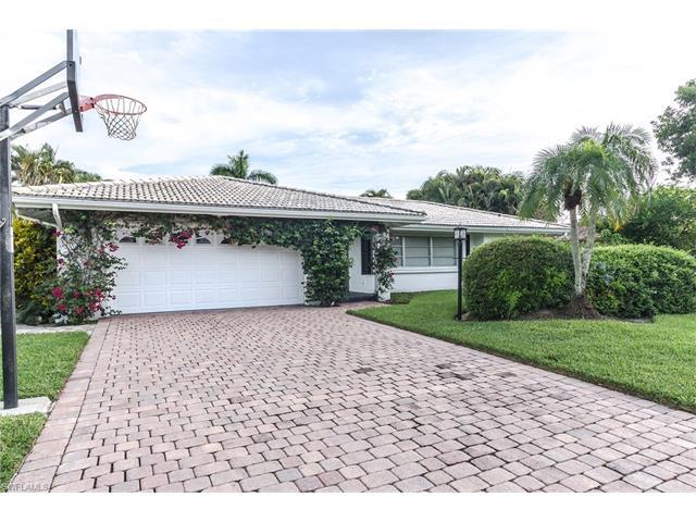 545 Pine Grove Ln, Naples, FL 34103