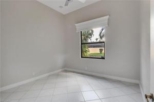 1074 Briarwood Blvd, Naples, FL 34104
