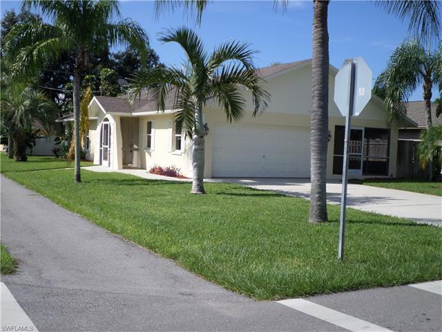 696 94th Ave N, Naples, FL 34108