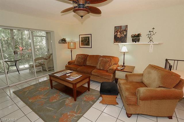 773 Wiggins Lake Dr 105, Naples, FL 34110