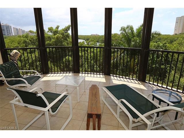 8990 Bay Colony Dr 303, Naples, FL 34108