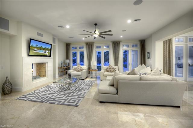 4477 Club Estates Dr, Naples, FL 34112