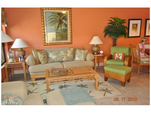 70 Emerald Woods Dr K-2, Naples, FL 34108