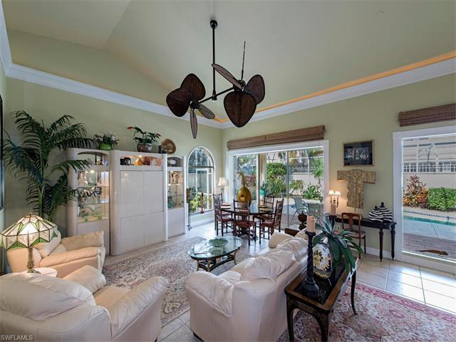 2216 Paget Cir, Naples, FL 34112