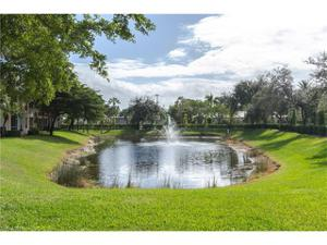 651 Wiggins Lake Dr 102, Naples, FL 34110