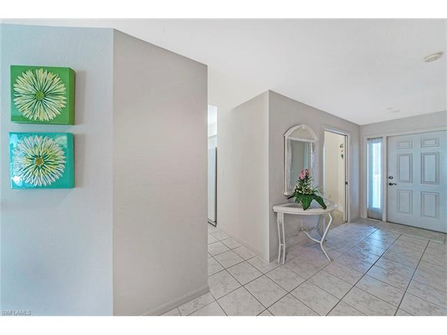 7687 Pebble Creek Cir 305, Naples, FL 34108