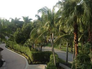 2748 Tiburon Blvd E 301, Naples, FL 34109