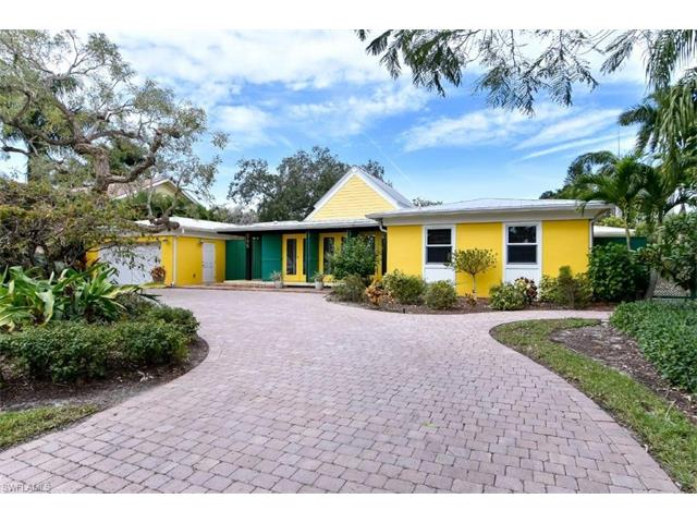 595 16th Ave S, Naples, FL 34102
