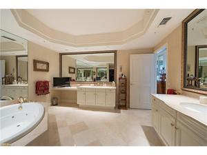 8665 Bay Colony Dr 2004, Naples, FL 34108