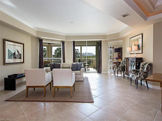 295 Grande Way 1, Naples, FL 34110