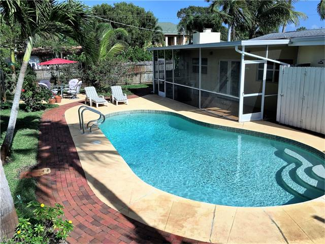 1377 11th Ct N, Naples, FL 34102