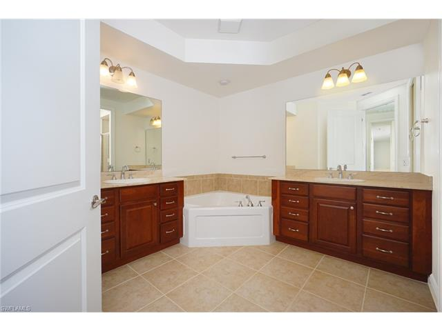 8000 Via Sardinia Way 204, Estero, FL 33928