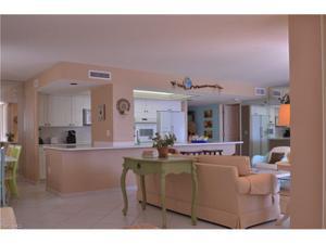10851 Gulfshore Dr 702, Naples, FL 34108