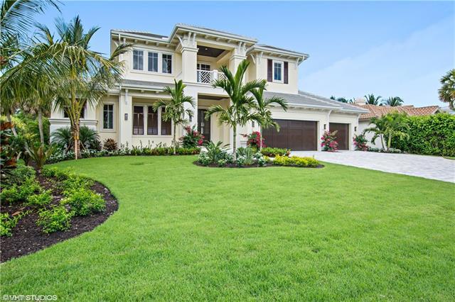 2951 Crayton Rd, Naples, FL 34103