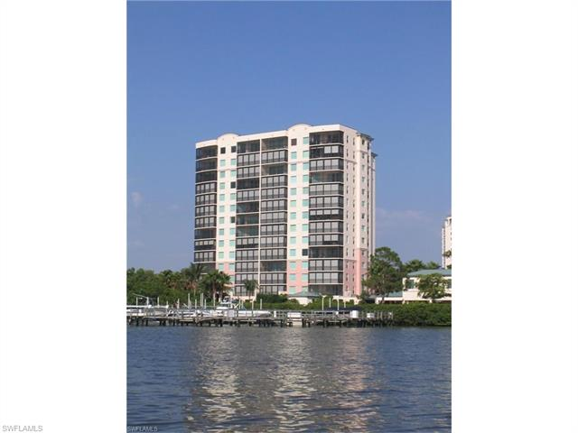 430 Cove Tower Dr 403, Naples, FL 34110