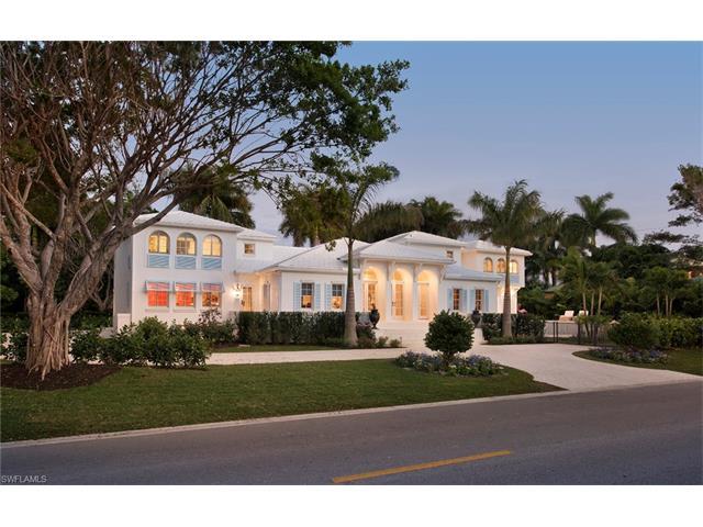 725 Gulf Shore Blvd S, Naples, FL 34102