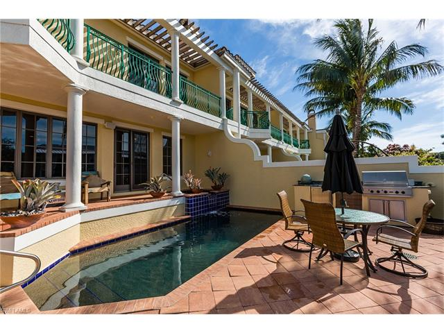 1100 Clam Ct 9, Naples, FL 34102