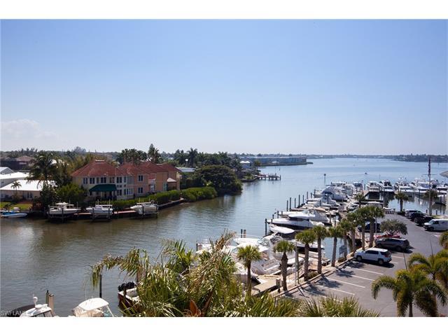 807 River Point Dr D-302, Naples, FL 34102