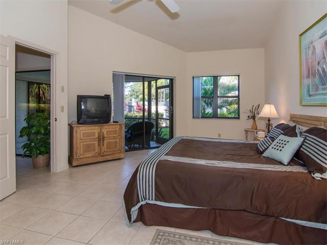 27065 Kindlewood Ln, Bonita Springs, FL 34134