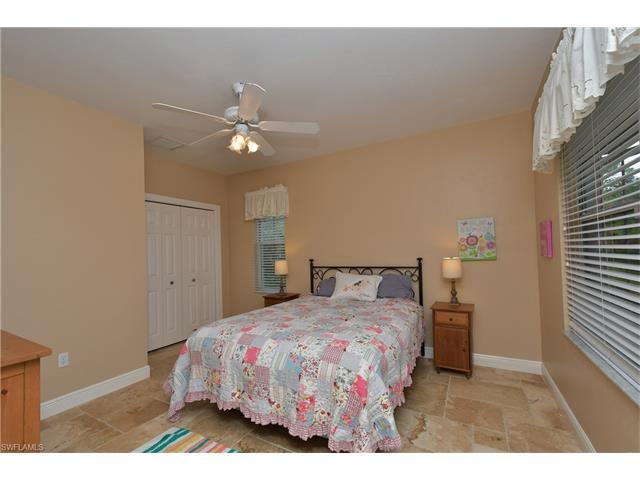 2274 Hawksridge Dr, Naples, FL 34105